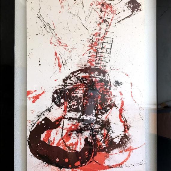 la serigraphie guitare rouge et noire d'arman galerie nice